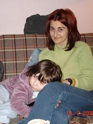 Onda smo bili kod Kume na kafici. A ja sam se malo umorila pa sam prilegla kod mame...