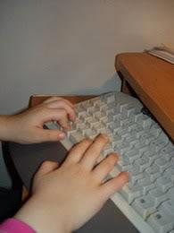 Ovako ja pišem sa svim prstima, al' najviše volim ovo dugačko